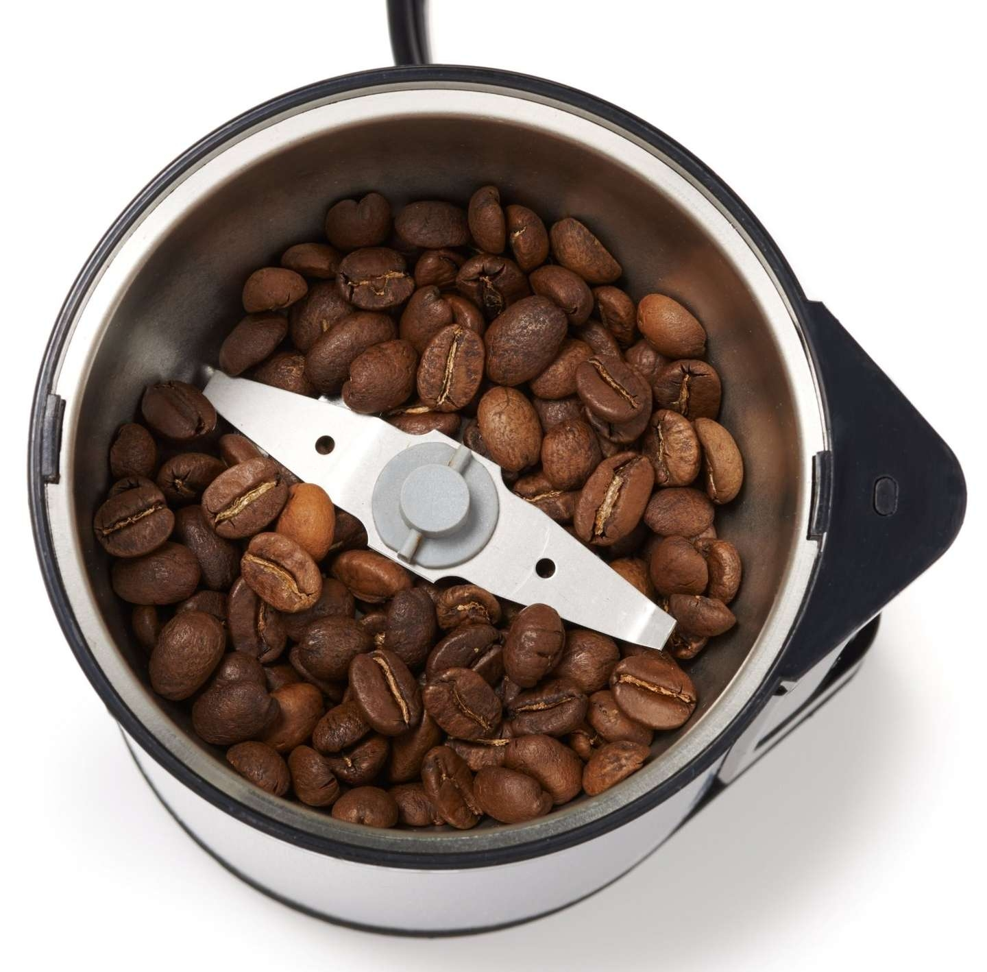 Coffee grinder with blades